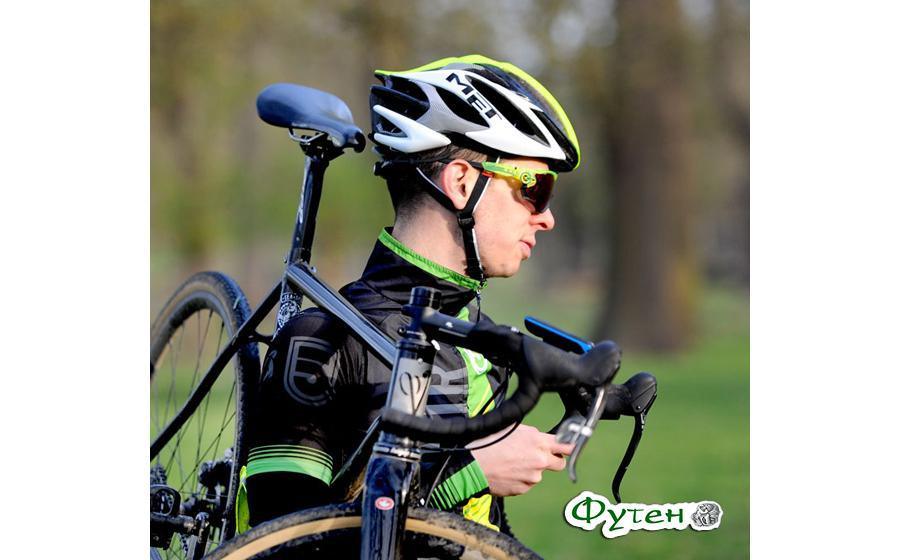 Шлем Met STRADIVARIUS с велосипедом