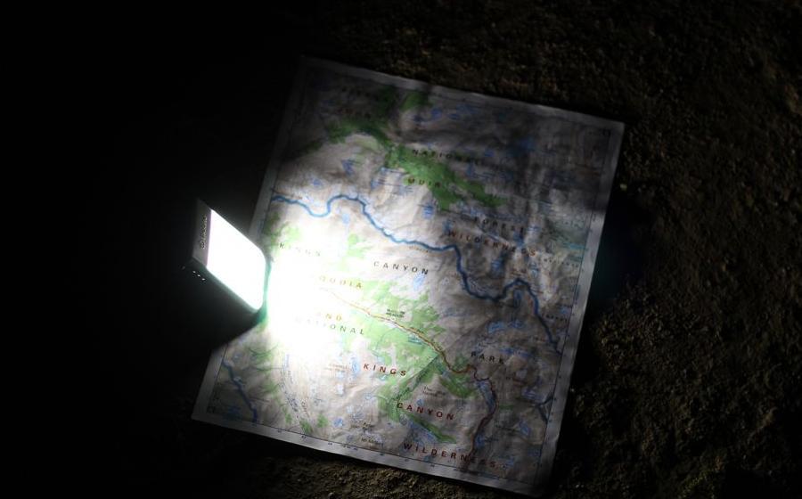 Фонарь-зарядка Biolite POWERLIGHT MINI grey ночь