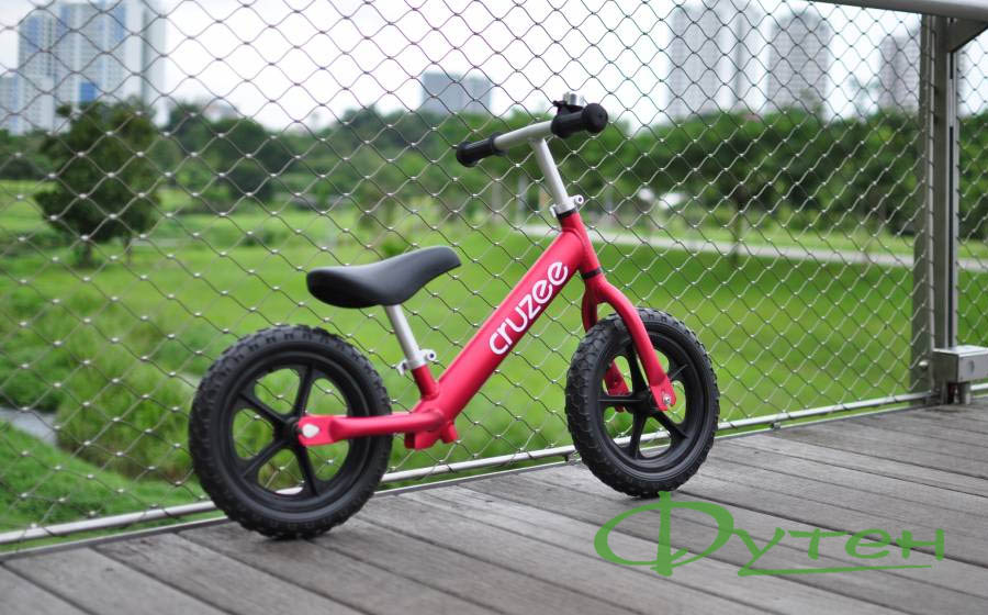 CRUZEE ULTRALITE BALANCE BIKE red